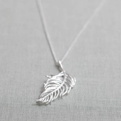 Feather long Necklace