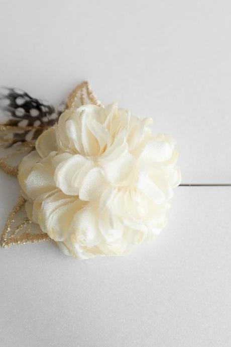 Esther Vintage Gold leaf feather Cream Ivory flower Mens flower Boutonniere Lapel pin